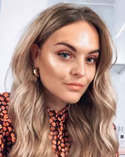 Voor het make-up merk Be Creative van ICI PARIS XL heeft influencer marketing bureau We Are First een creatieve campagne opgezet met onder andere influencer Iris Eigenhuis om de make-up lijn onder de aandacht te brengen.